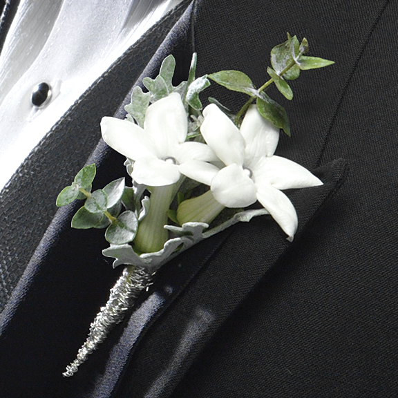 Elegant and Classy Boutonniere