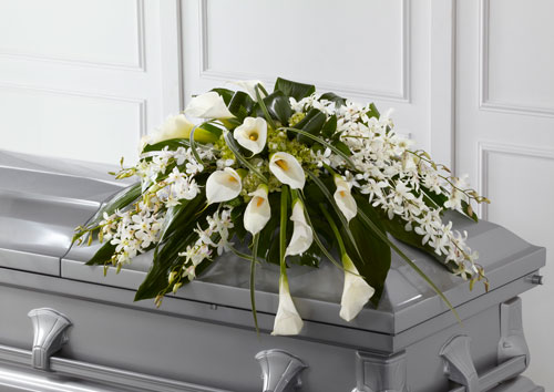 Sympathy for the service for the casket angel wings casket spray izmirmasajfo